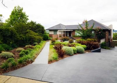 Residential garden design, gardens beds and paving
